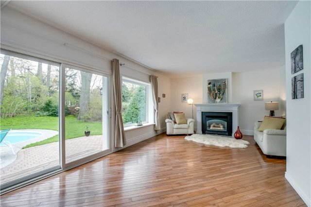 For Sale: 156 Trelawn Avenue, Oakville, ON | 3 Bed, 3 Bath House for $2,288,000. See 20 photos!